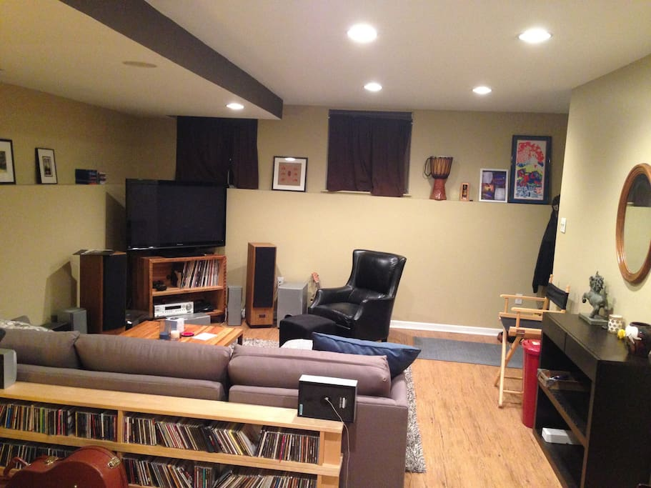 Tv, living space, record player, stereo, Apple TV.