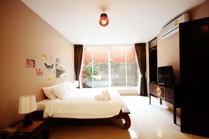 Suite room with garden view, Near Grand Palace