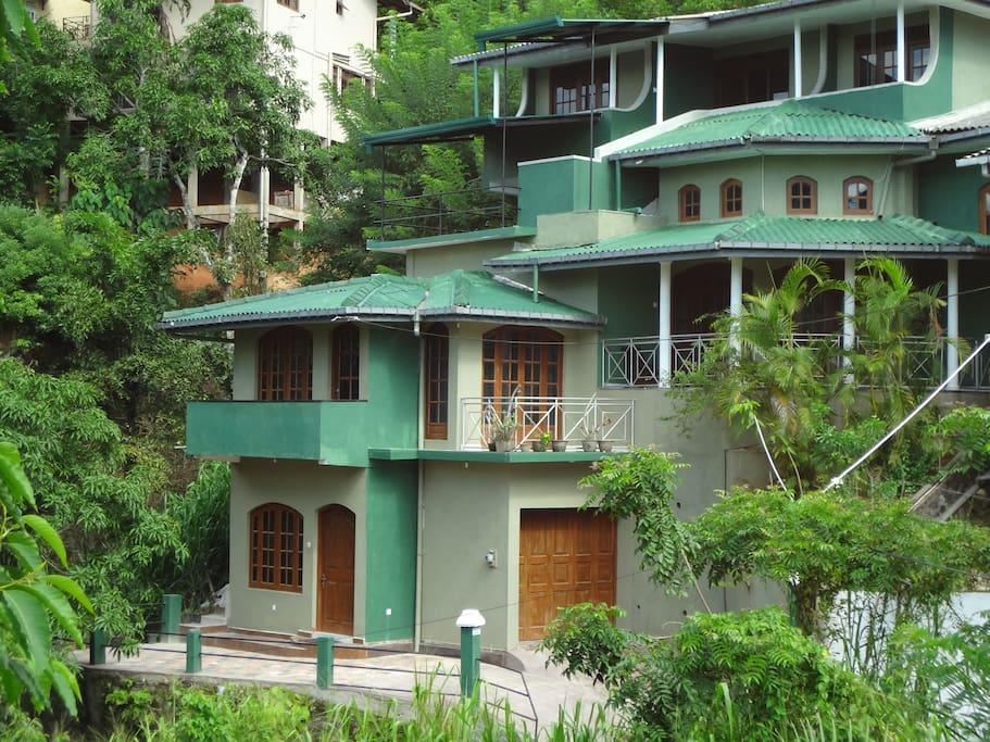tranquil hills kandy superior villas for rent in kandy central province sri lanka. Black Bedroom Furniture Sets. Home Design Ideas