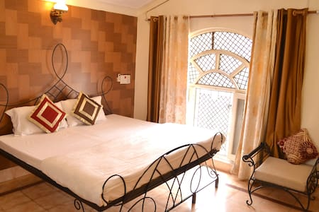 Ixora Villa- luxury in serenity - Rishikesh - Villa