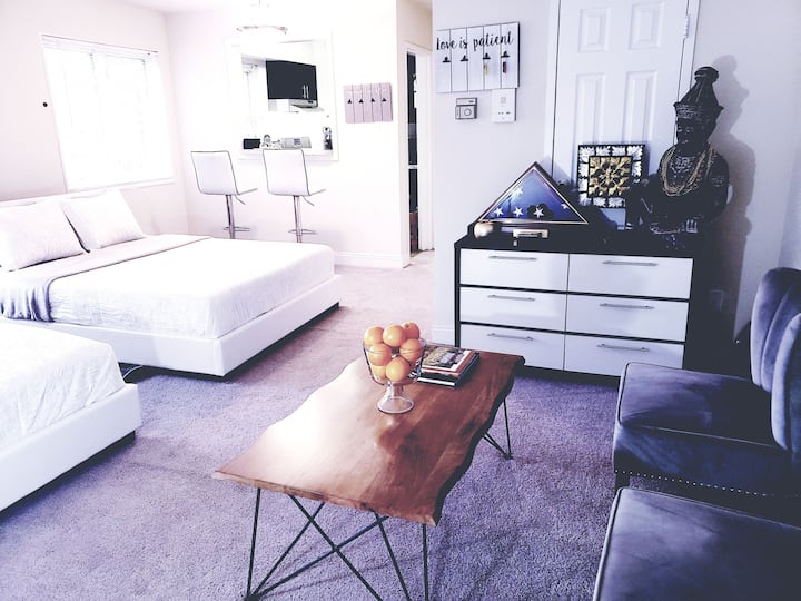 2Queens-Studio! 10 minutes to DC, Airport&Old Town