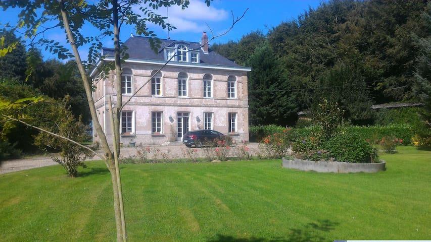 Maison de Maître (1850), parc arboré, proche Mer