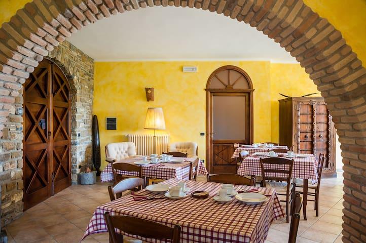 VILLA BERNADETTE - B&B - BIKEHOTEL - San Mauro Cilento - Bed & Breakfast