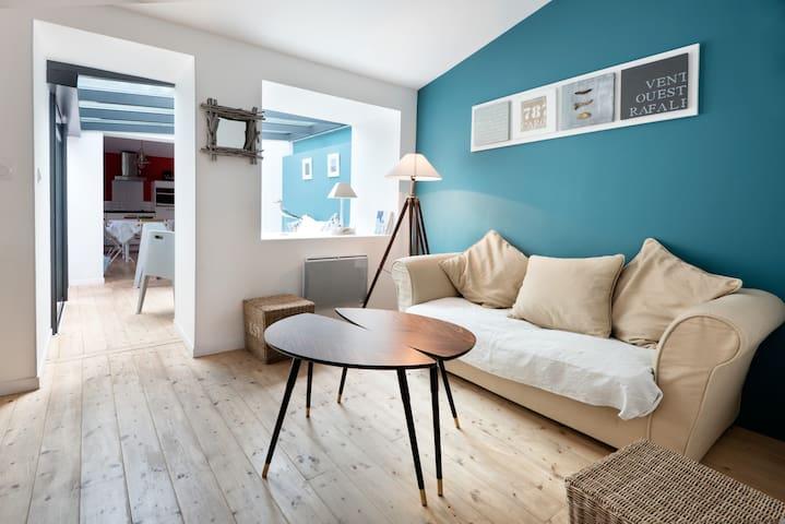 Charmante maison rénovée avec cour - Saint-Trojan les Bains - Дом