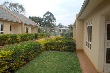 Garden Court Apartment #4 - Kampala - Appartement