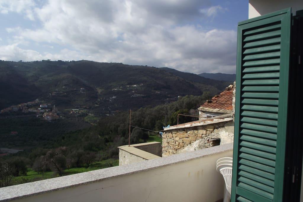 Vista dal terrazzo verso i monti