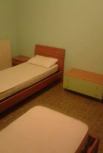 stanza doppia in appartamento