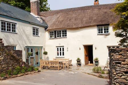 Luxury Farmhouse Twin Room - Kingsbridge - Oda + Kahvaltı