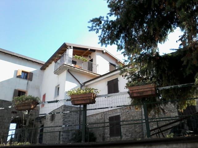 casa vacanze vicino 5 terre - Ceparana