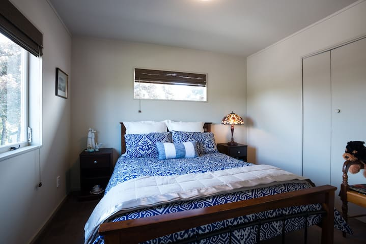 Queen bedroom  with built in wardrobe