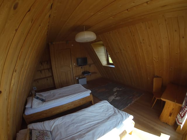 I pokój  2 osobowy z balkonem - Czerwienne - Pis
