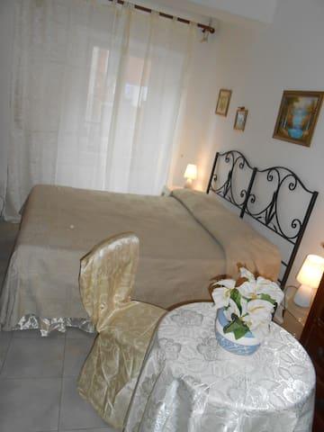 CINQUETERRE   RIOMAGGIORE - Riomaggiore - Casa