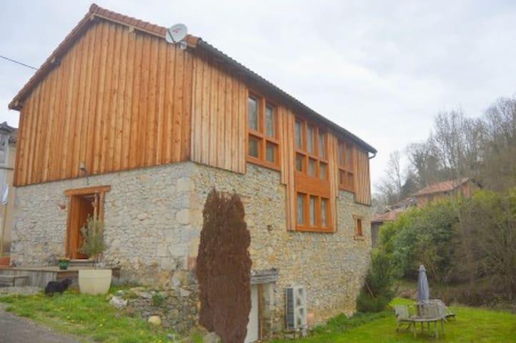 La Grange de Baléjon - Aspet - Rumah