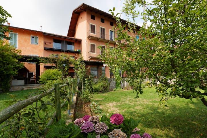 CadiTrau ampio Monolocale - Mosso Santa Maria - Apartment