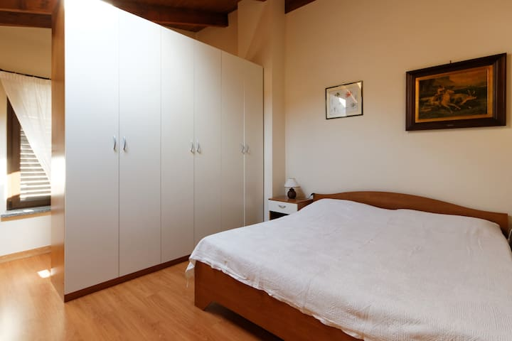 CadiTrau ampio Monolocale - Mosso Santa Maria - Huoneisto