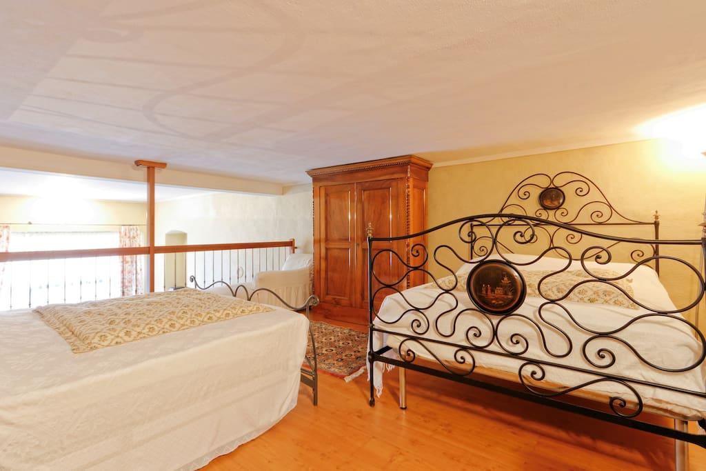Caditrau alloggio piano giardino pernottamento e - Camera da letto soppalcata ...