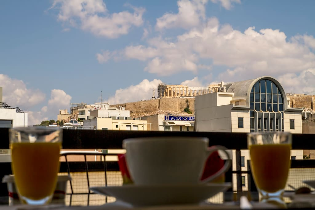 Breakfast with Acropolis view