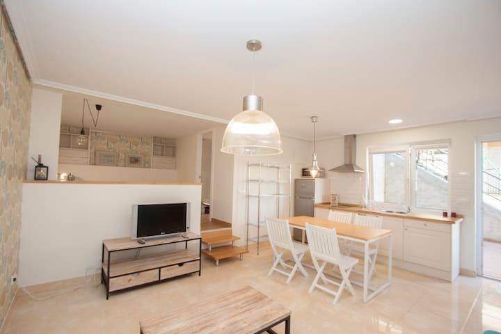 Exclusivo Apartamento estilo nordic/Blanco - Transmiera