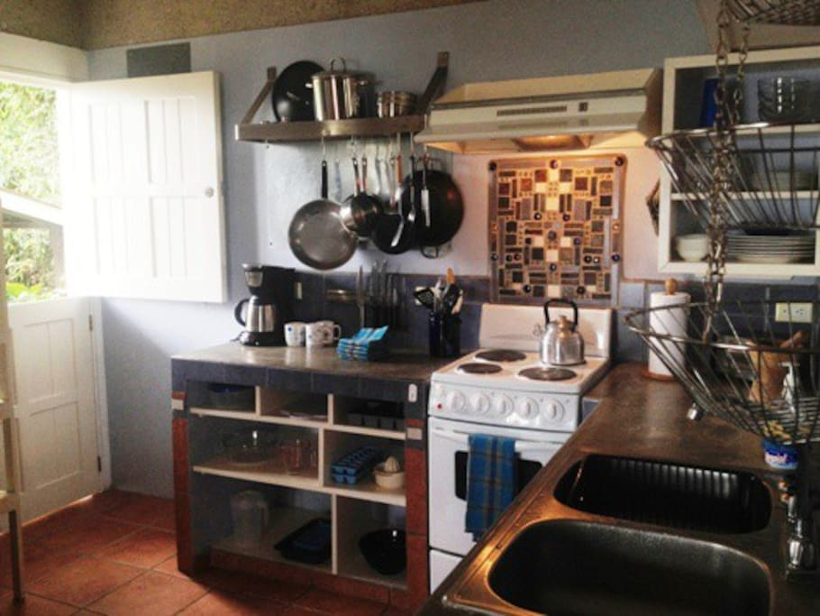 Great kitchen for guests who enjoy preparing their own meals. Fully equipped.