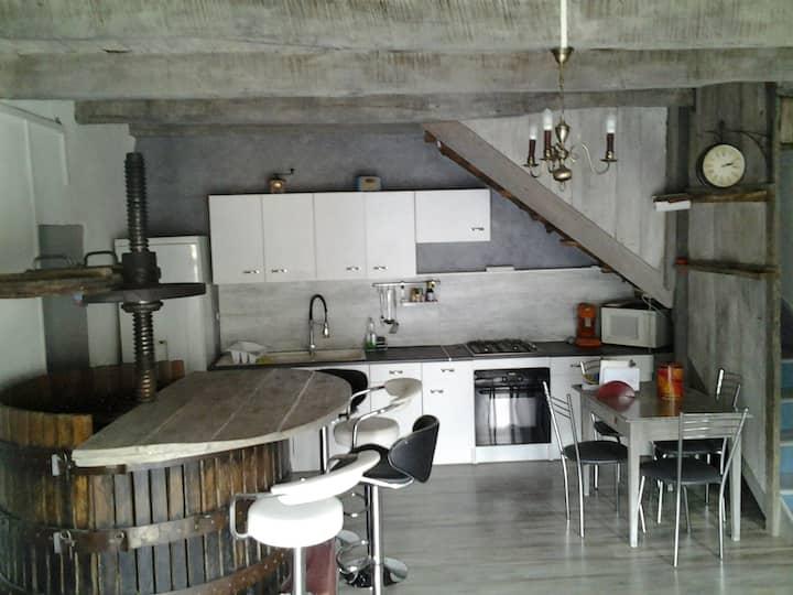 Ancien pressoir rénové en maison