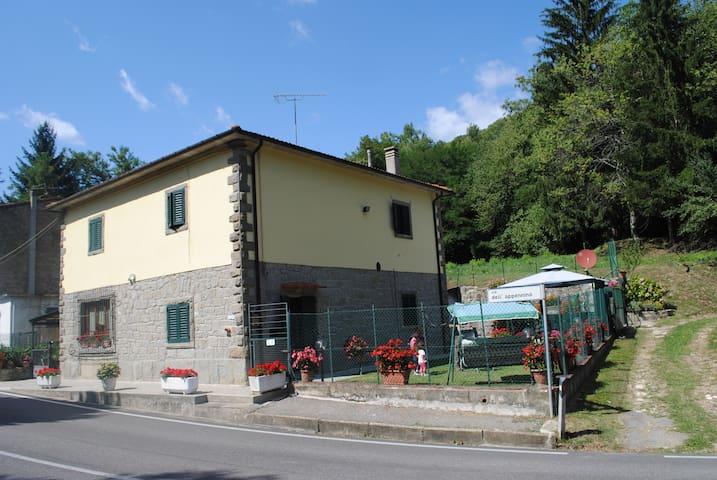 Relax sull'Appennino Tosco Emiliano - Montepiano - Departamento