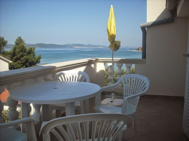 Great apartment near  beach - Sukošan - Pis