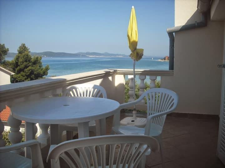 Great apartment near  beach