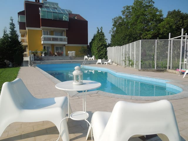 "Apartment""Mrs.& Mr.X""/wifi/parking - Zagreb - Bed & Breakfast"