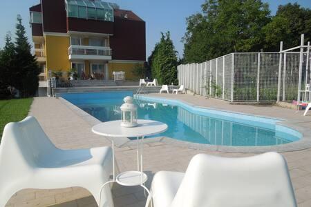 "Apartment""Mrs.& Mr.X""/wifi/parking - Zagreb"