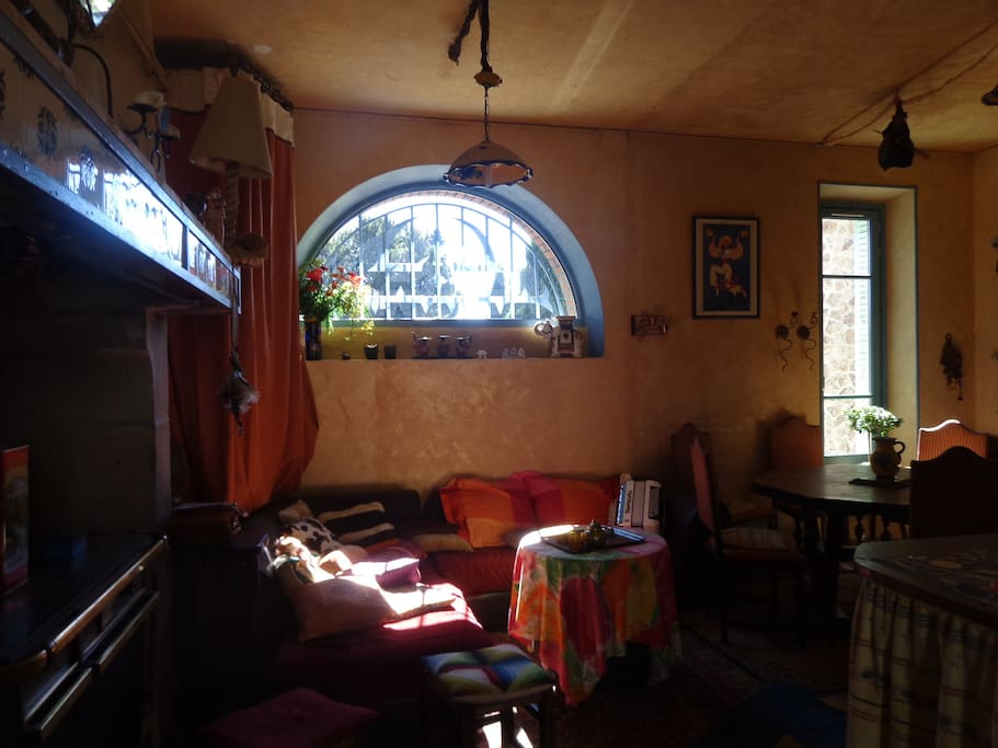 pièce commune salon cuisine salle à manger