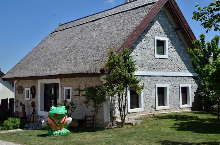 Vollmerlovasudvar - Pécsely - House
