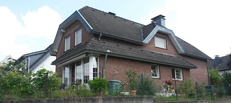Zwischen Köln und Düsseldorf - Leverkusen - อพาร์ทเมนท์