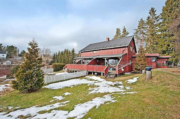 Nice Norwegian home for rent 5 min walk from ocean - Fjellstrand - Hus