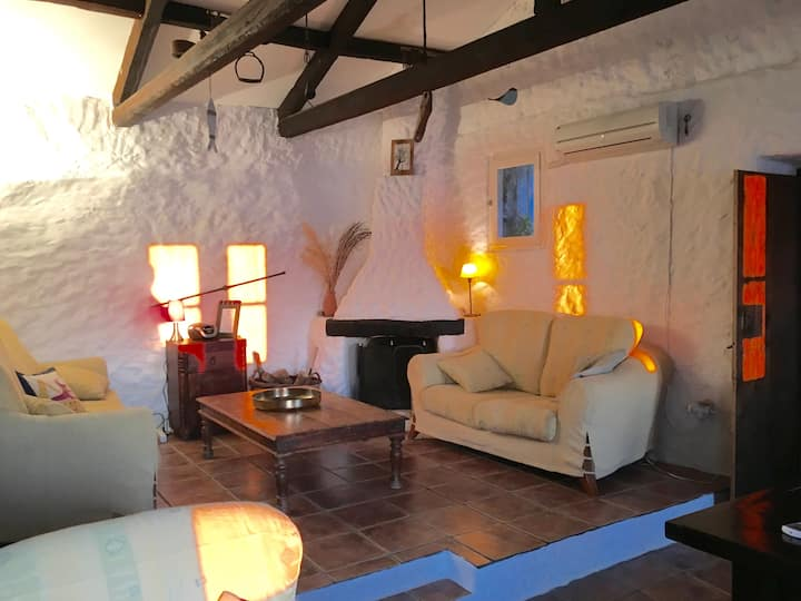 Carob Cottage ... Weave your Dreams ...