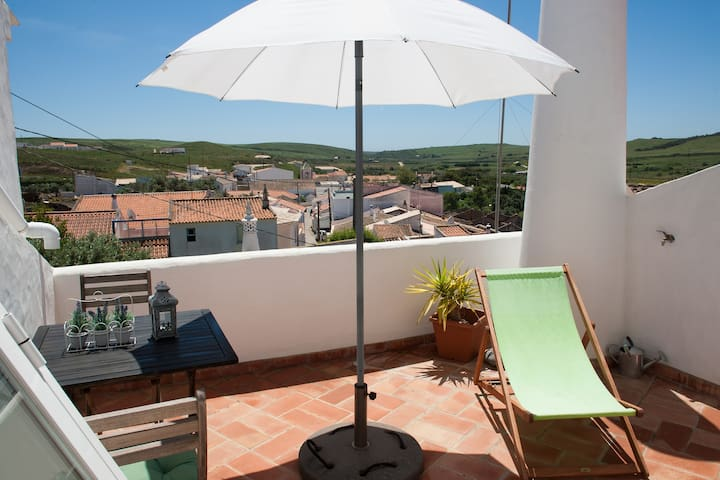 Cosy house with fantastic view(licence 137/AL) - Raposeira