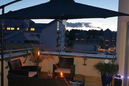 Modern Penthouse Marina Apartment - Portishead