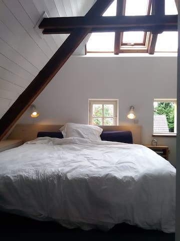 Dachgeschoss Loft in Innenstadt - Detmold - บ้าน