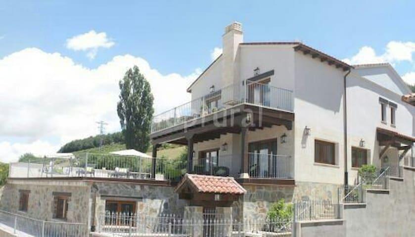Casa Rural Diez Leguas