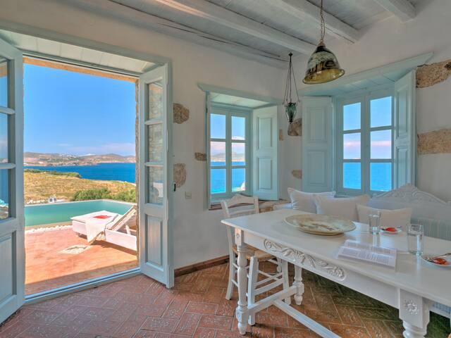 Eirini Luxury Hotel VIllas- Private Pool Villa