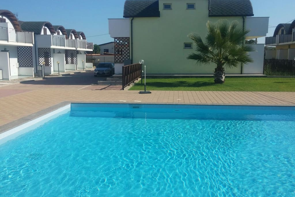 10 min da soverato piscina sul mare case in affitto a for Piscina tartarughe