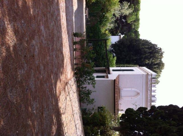 Casa indipendente con giardino - Cavo - Casa