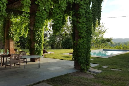 Cascina Coccione farm house with swimming pool - Capriata d'Orba - 独立屋