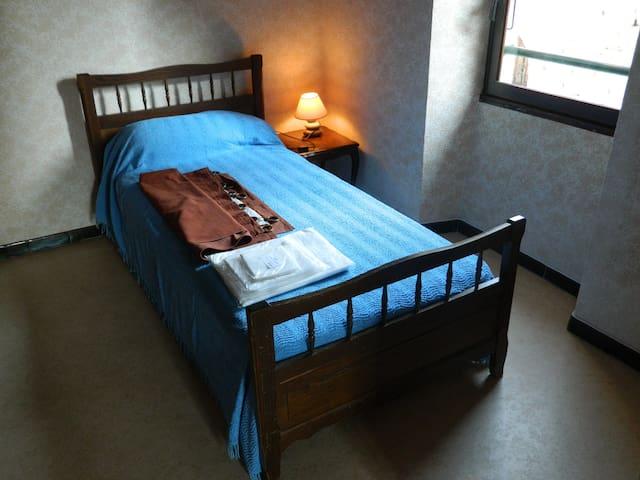 La seconde chambre avec deux lits en 90cm