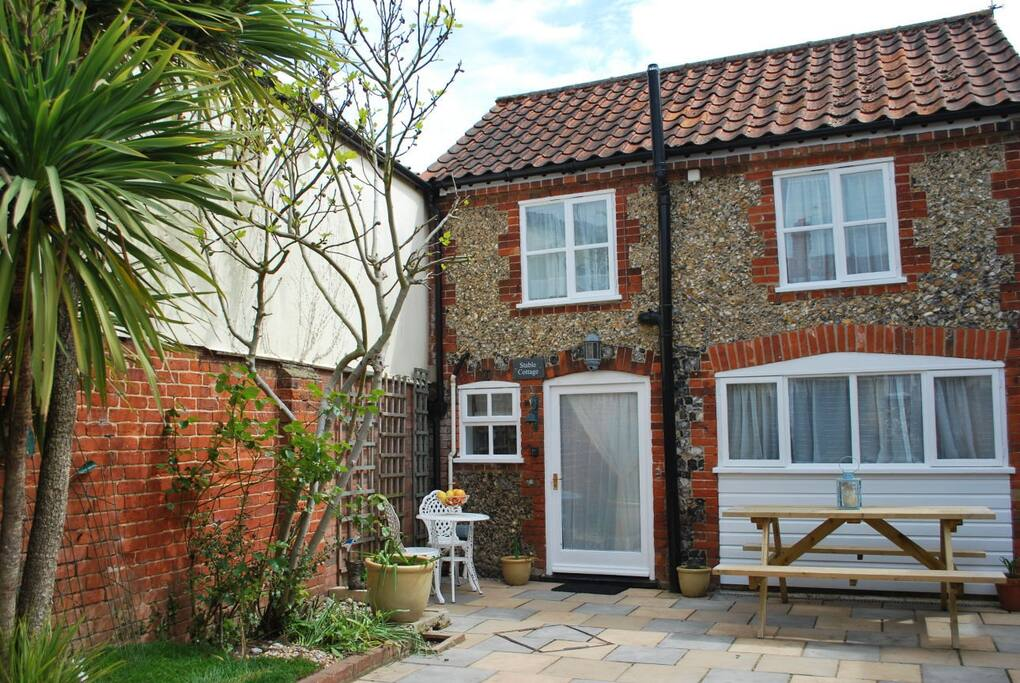 A peaceful coastal cottage - 10 minutes drive from Aldeburgh beach