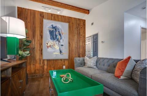 The Restful Retreat - Modern Duke UNC Chapel Hill