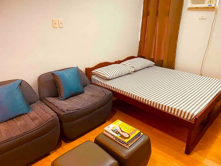 Exclusive Bed for Couple w/ Fast WIFI  & NETFLIX