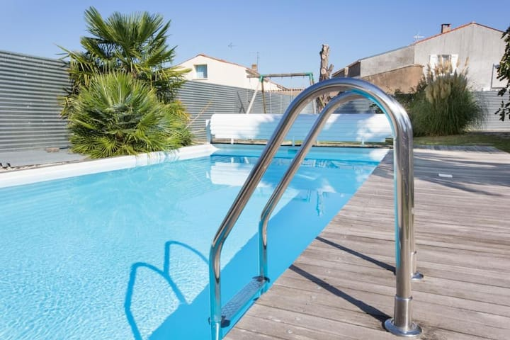 (SENSITIVE CONTENTS HIDDEN)+ heated pool La Rochelle - Saint-Jean-de-Liversay - Haus