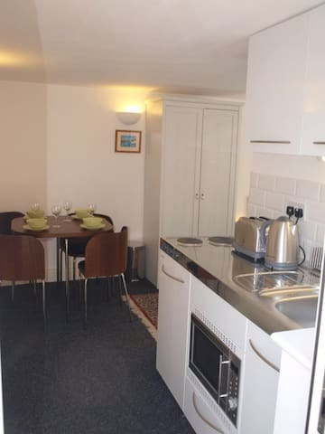 Studio Apartment near beach/high st - Whitstable - Apartamento