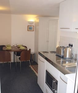 Studio Apartment near beach/high st - Whitstable