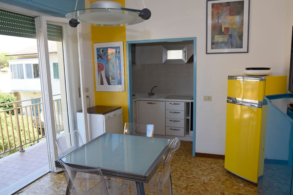 La cucina/soggiorno_The kitchen/living room